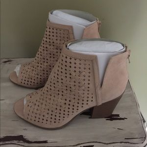 NWT Open toe stack-heeled booties